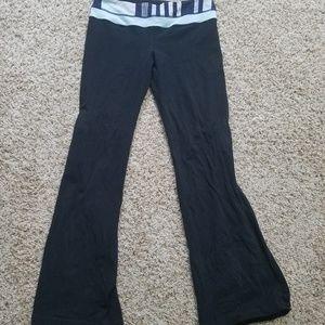 Size 10 lululemon black yoga pants